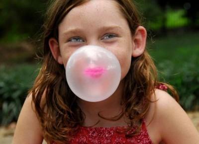 Как жевательная резинка влияет на малыша?