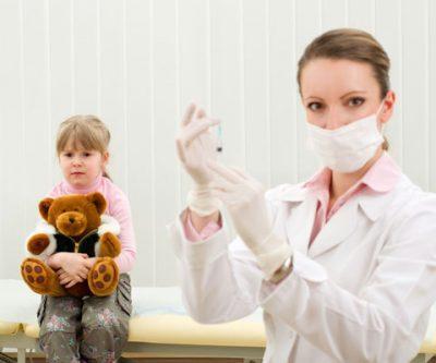 Как сделать доверенность на ребенка в поликлинику на бабушку или других родственников? Образец и варианты оформления